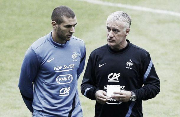 """Deschamps: """"Benzema sabe lo que espero de él y sabe que puede hacer más"""""""