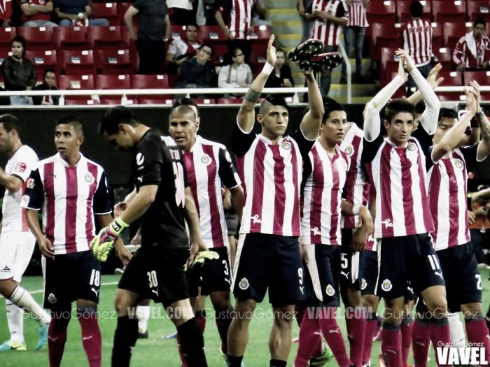 Fotos e imágenes del Chivas 2-1 Morelia de la décimosegunda jornada de la Liga MX