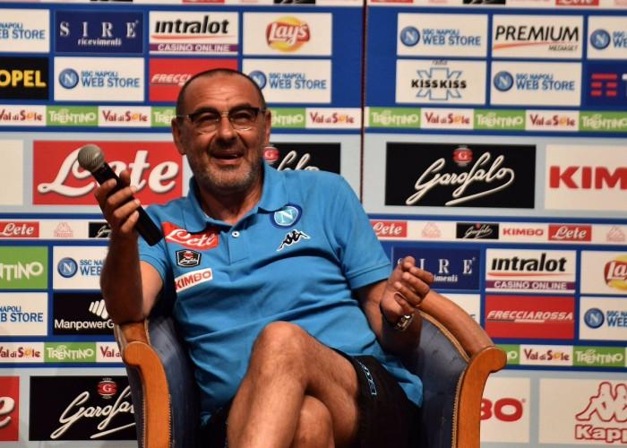 """Napoli, parla Sarri: """"Mi trovo bene in questo momento. Ounas? Non lo conosco benissimo"""""""