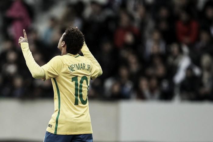 Neymar desmente polêmicas no PSG e cai no choro em entrevista coletiva