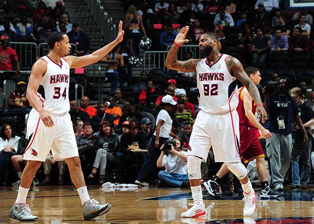 Cleveland perde para Atlanta Hawks e segue em queda livre na temporada