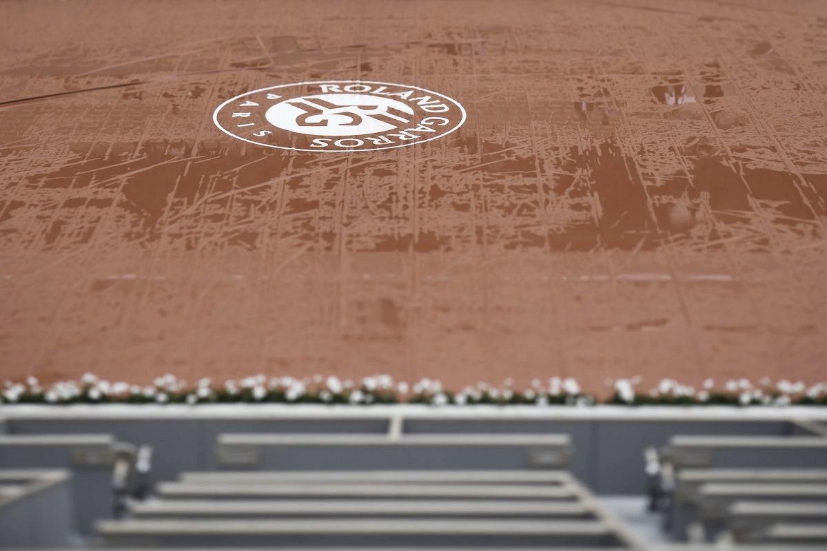 Semifinal entre Djokovic e Thiem é adiada devido às condições climáticas em Roland Garros