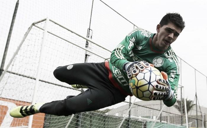 Decisivo em penalidades, Vinicius pode ganhar primeira chance no time profissional do Palmeiras