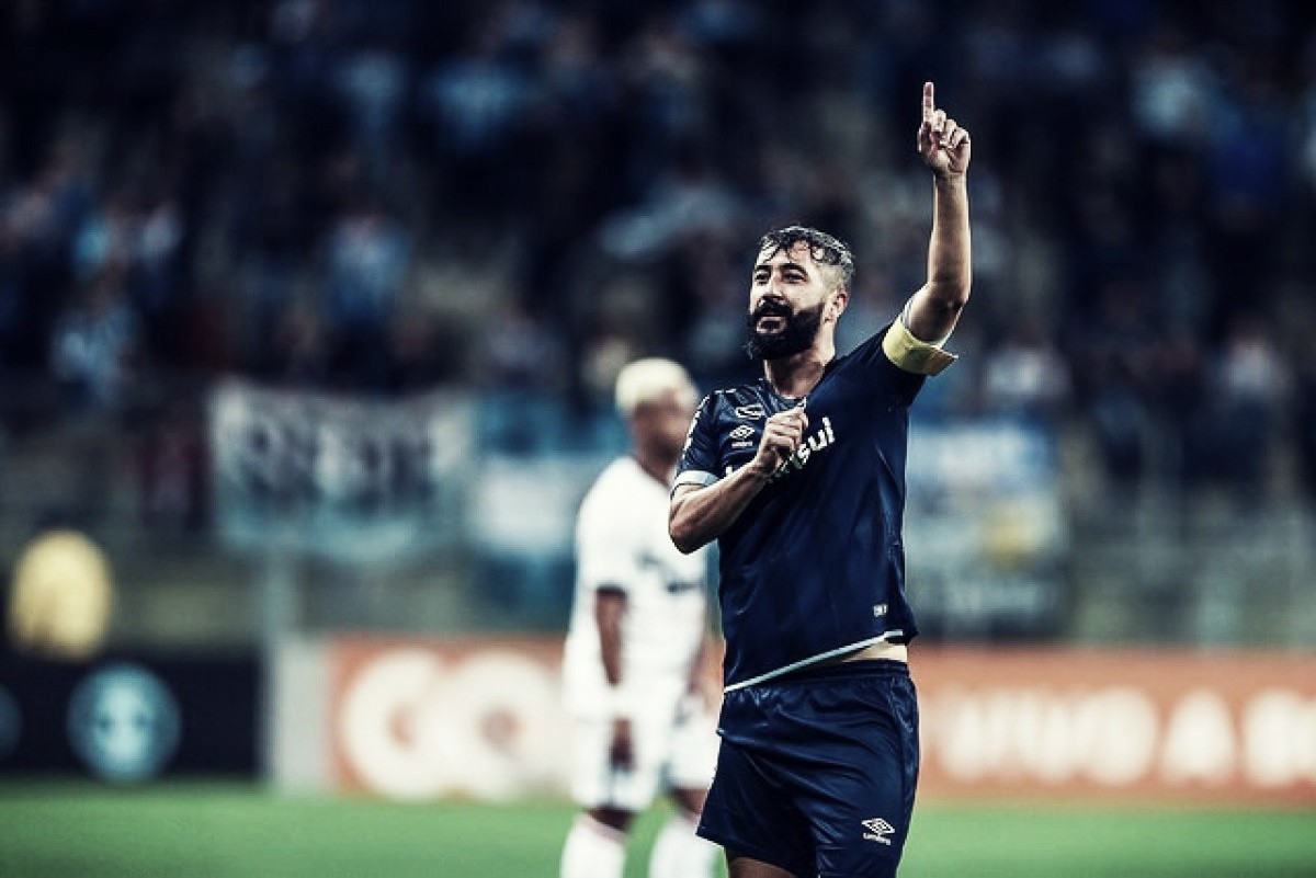 Depois de 656 dias, Douglas volta a marcar pelo Grêmio e recusa substituição
