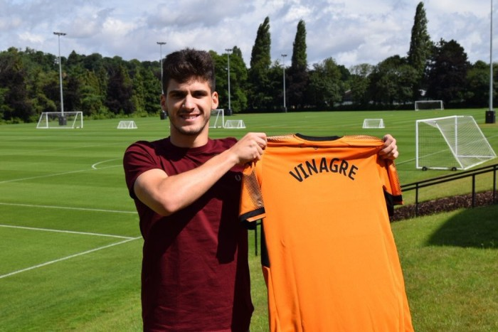 Wolves sign Monaco defender Rúben Vinagre on season-long loan