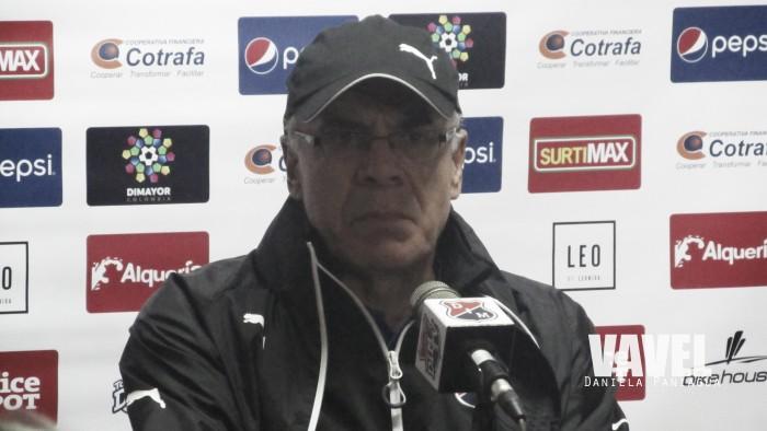 """Juan José Peláez: """"El equipo muestra algo vital y es la actitud"""""""