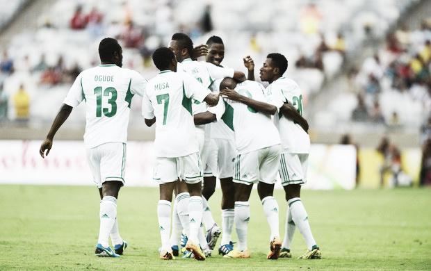 Taiti marca gol histórico, mas é goleado pela Nigéria