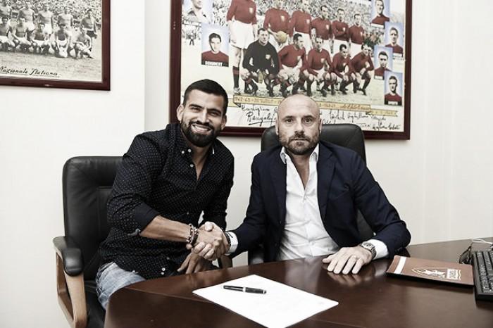 Sem espaço na Juventus, Tomas Rincón é emprestado ao rival Torino