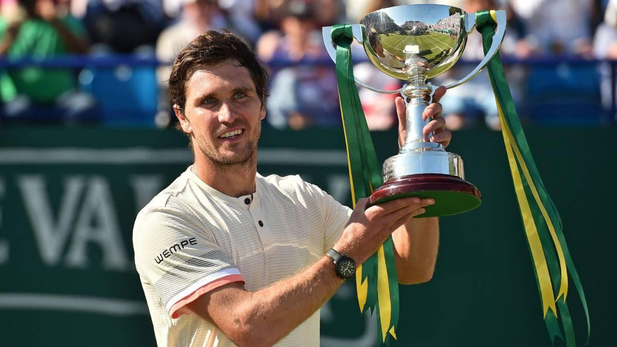 ATP Eastbourne: Mischa Zverev spegne Lacko e trionfa