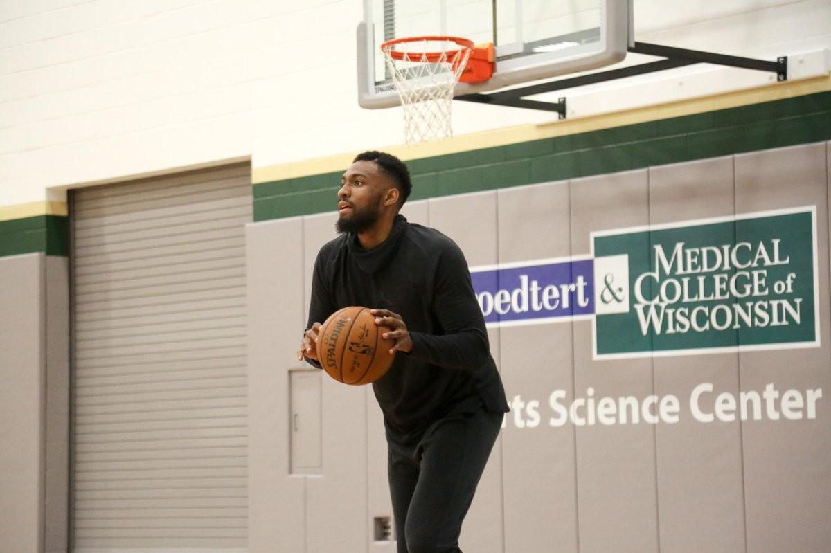 NBA - Jabari Parker scaricato da Milwaukee, accordo vicino con i Bulls