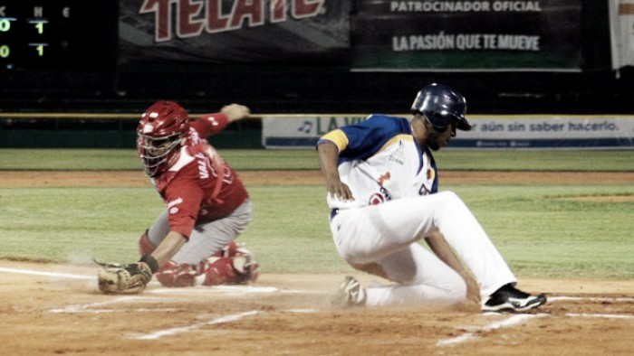 En duelo de volteretas, México gana primero en Tabasco