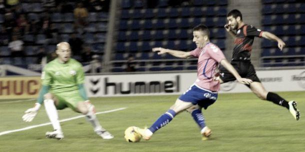 El Tenerife vuelve a dejar dudas con su juego