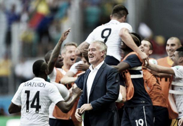 Didier Deschamps comemora: ''Seis pontos após duas partidas é o ideal''