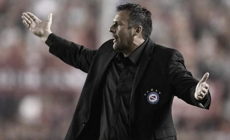 """Dabove ya piensa en Boca: """"Vamos a ir por los tres puntos"""""""