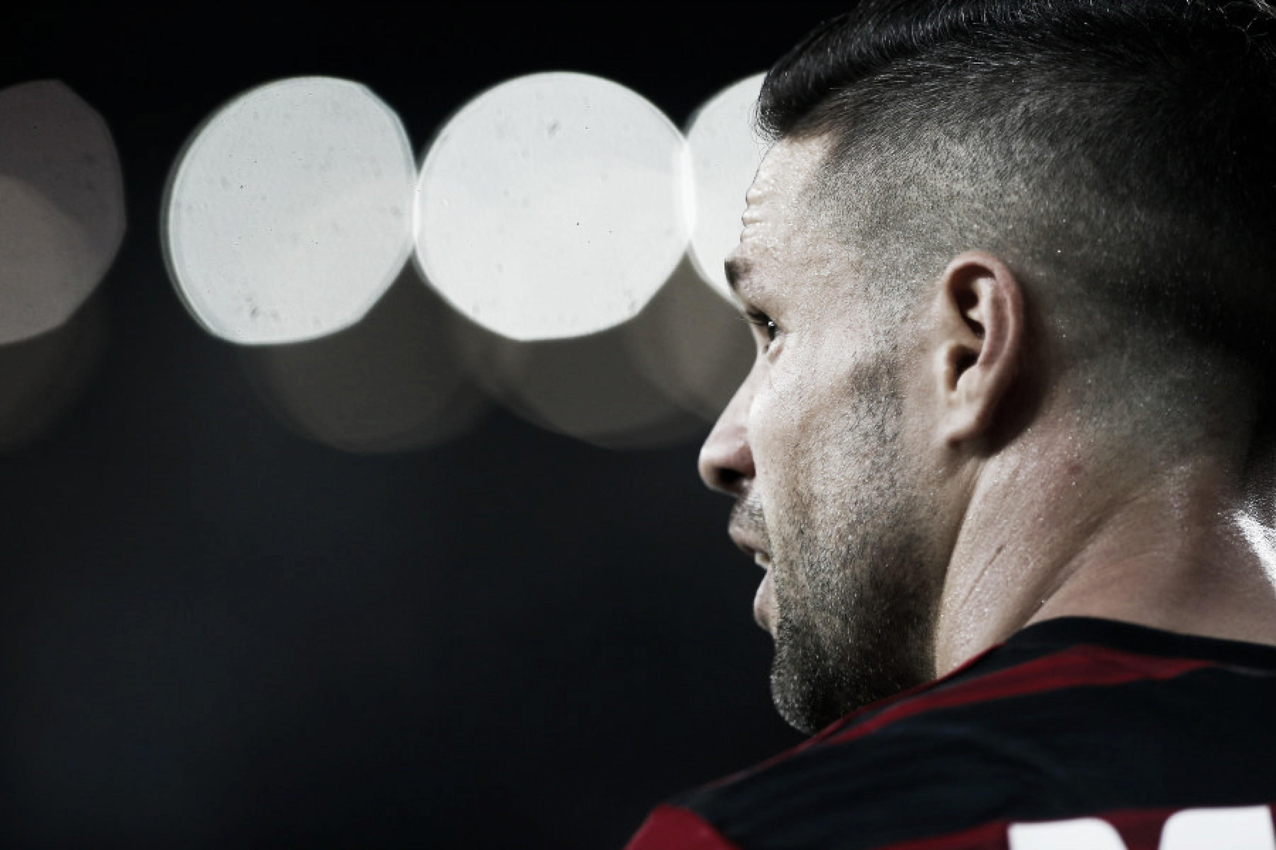 Diego nega ofensa a árbitro após expulsão no clássico contra o Vasco