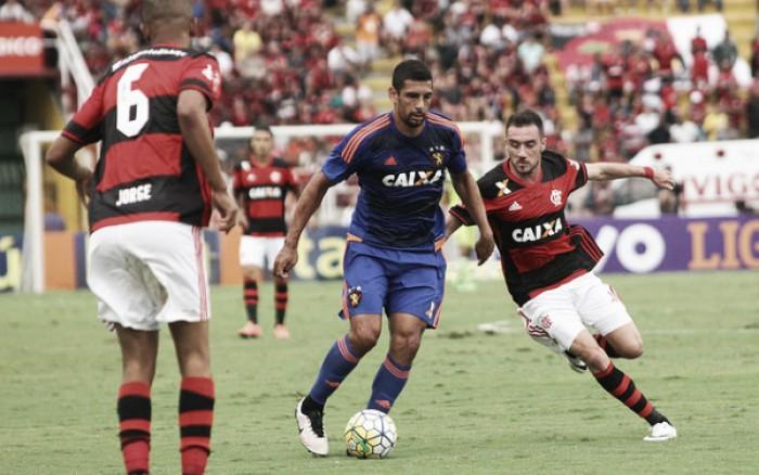 """Diego Souza critica arbitragem na derrota para Flamengo: """"Jogamos contra algo a mais"""""""