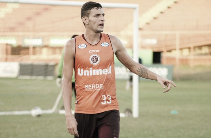 Grêmio contrata jovem zagueiro Willyan para grupo de transição