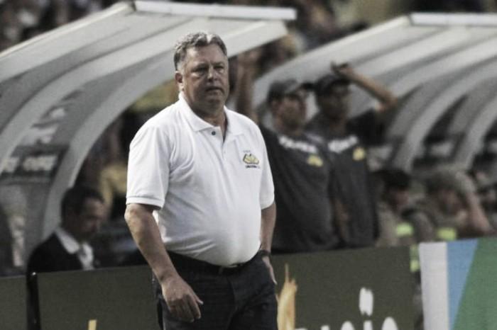 """Roberto Cavalo não garante permanência de Gustavo: """"Se cumprirem a multa, vão levar"""""""