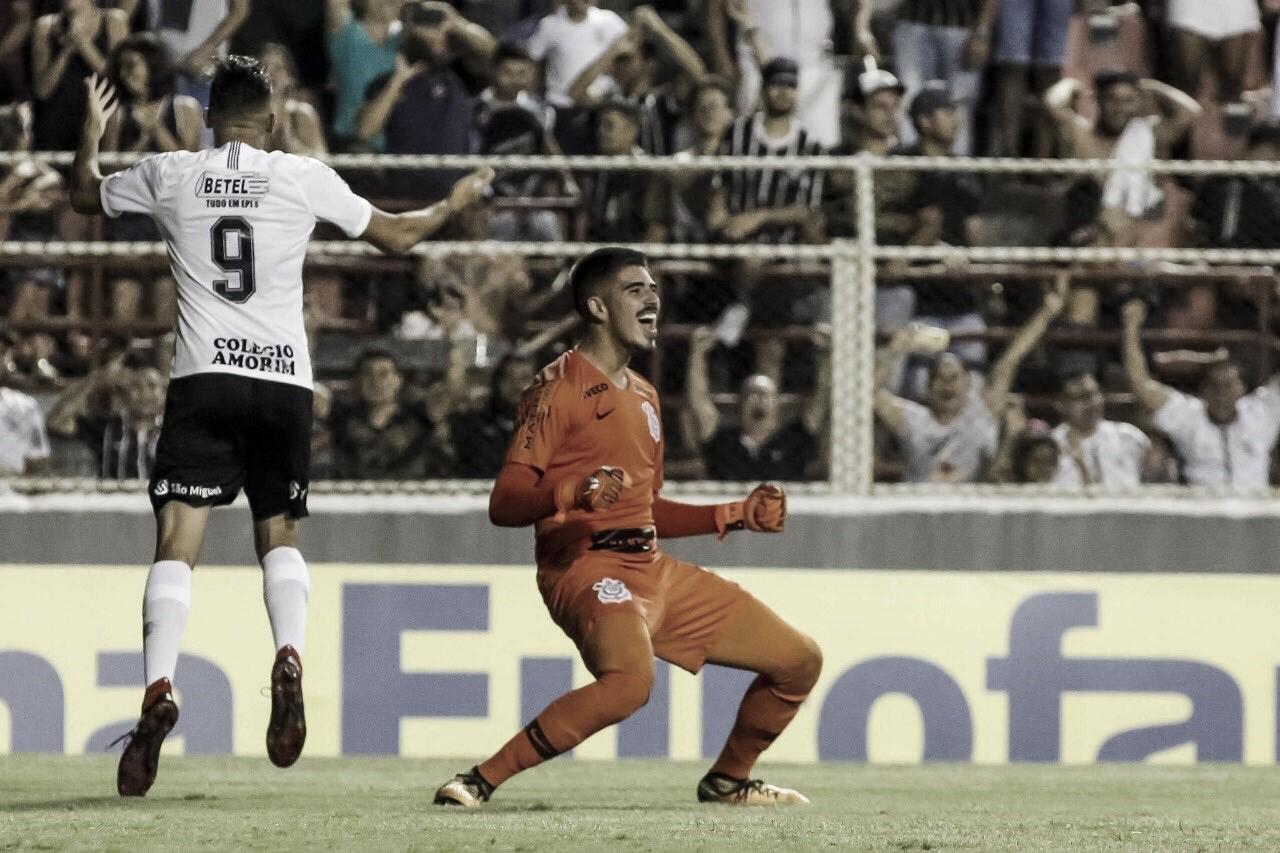 "Herói, Diego enaltece torcida do Corinthians: ""Apoio é fundamental"""