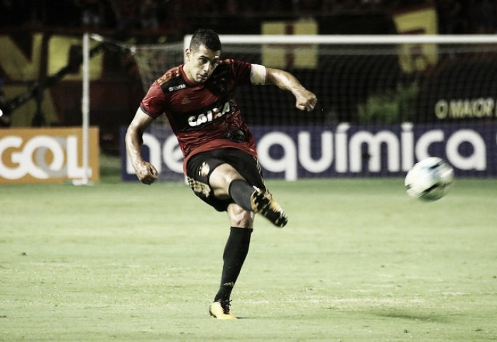 """Diego Souza dispara contra críticos após vitória: """"Covardia o que fazem"""""""