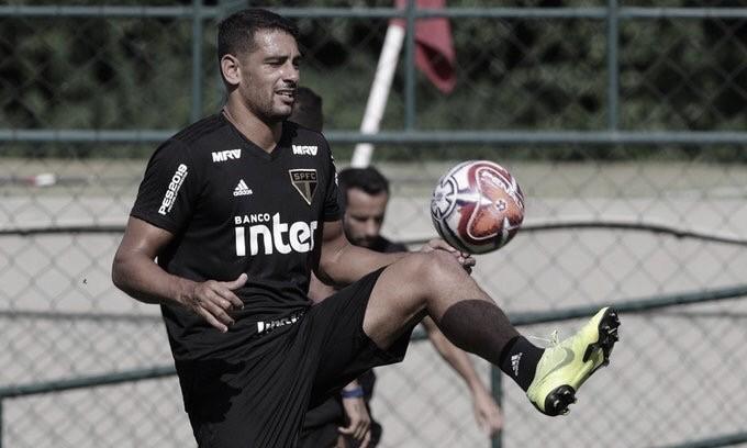 Diego Souza e Hernanes são novidades no treino do São Paulo