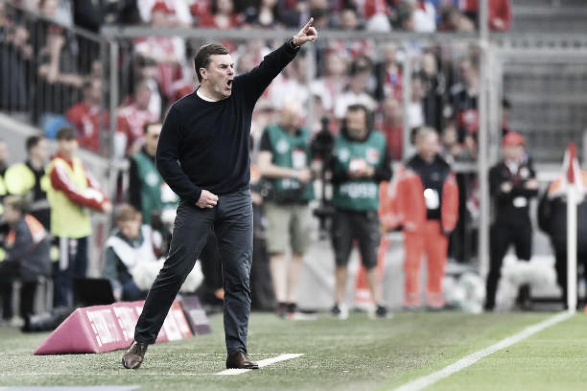 """Técnico do Gladbach reprova segundo tempo da equipe contra Bayern: """"Defendemos muito mal"""""""