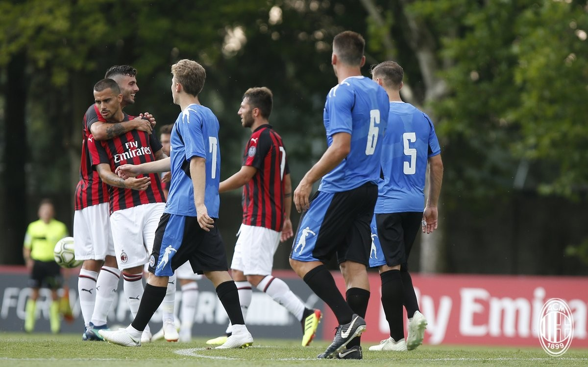Amichevoli estive - Buona la prima per il Milan: i rossoneri battono il Novara (2-0)