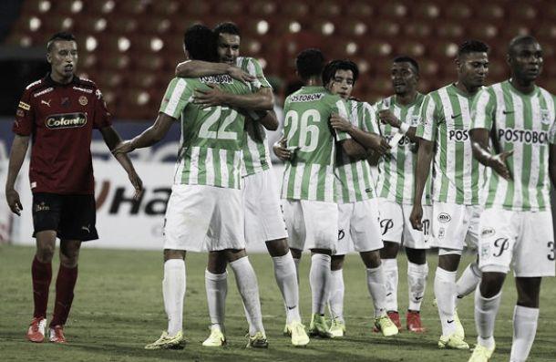 Nacional venció a Medellín y tomó aire en Liga
