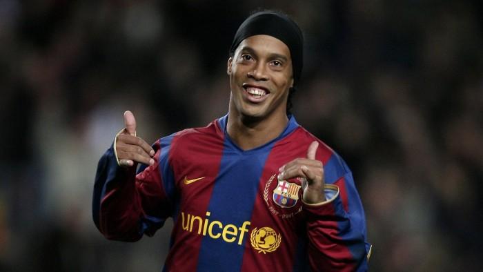 Ronaldinho lascia il calcio: l'annuncio del fuoriclasse brasiliano