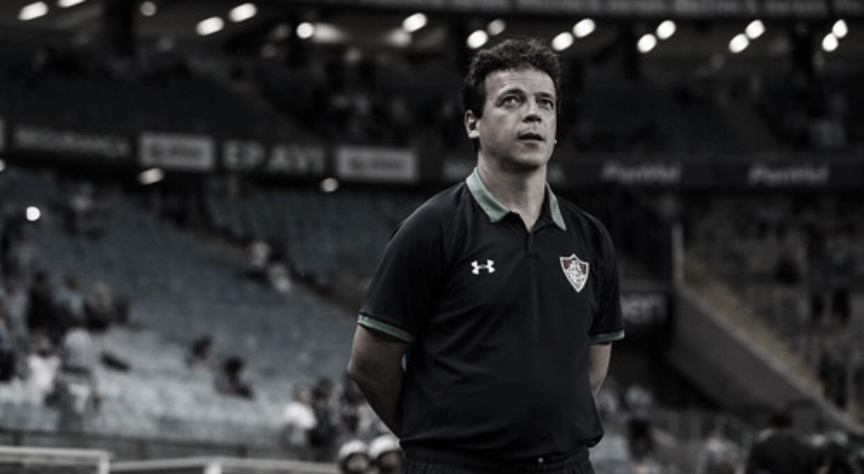 """Diniz elogia Fluminense após virada épica contra o Grêmio em Porto Alegre: """"Valente"""""""