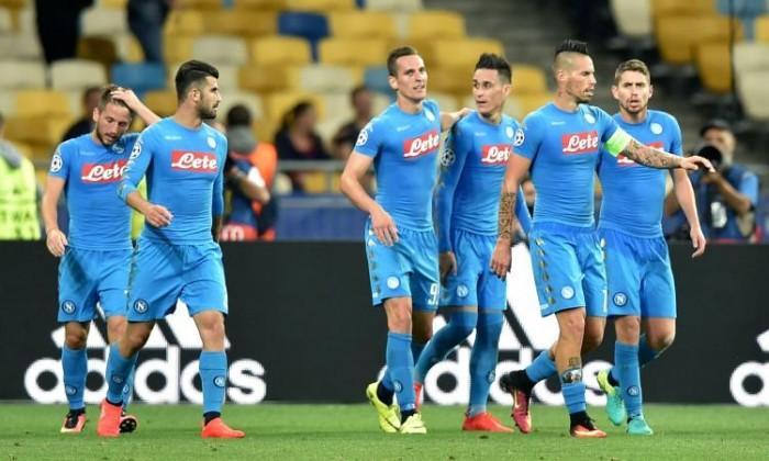 Napoli poco brillante ma vincente: la Dinamo regala, Milik ringrazia (1-2)