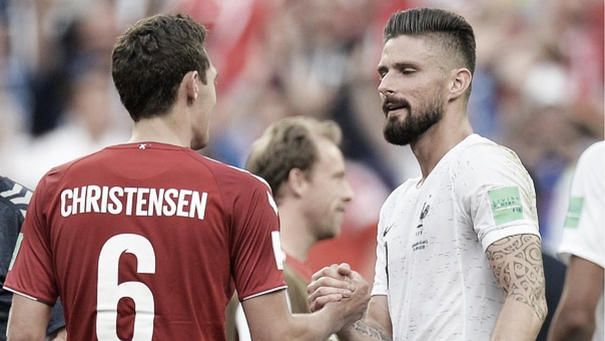 Dinamarca y Francia clasificaron entre abucheos y sonrisas