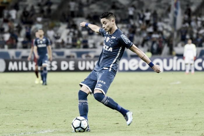 Palmeiras envia proposta por Diogo Barbosa a Cruzeiro, que precisa decidir situação do atleta