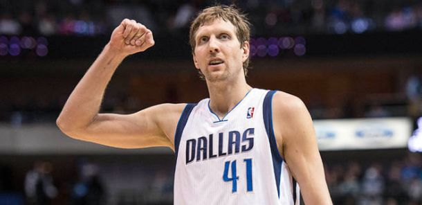 Dirk Nowitzki Re-Signs With Dallas Mavericks For 3-Years, $25 Million