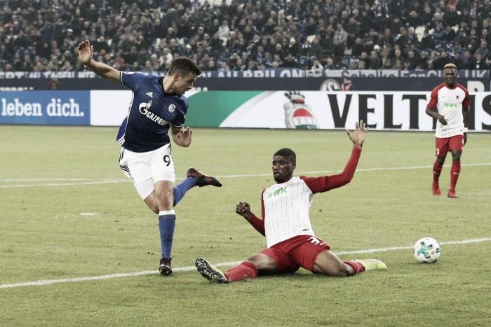 Una obra de arte de Di Santo lleva al Schalke al segundo puesto