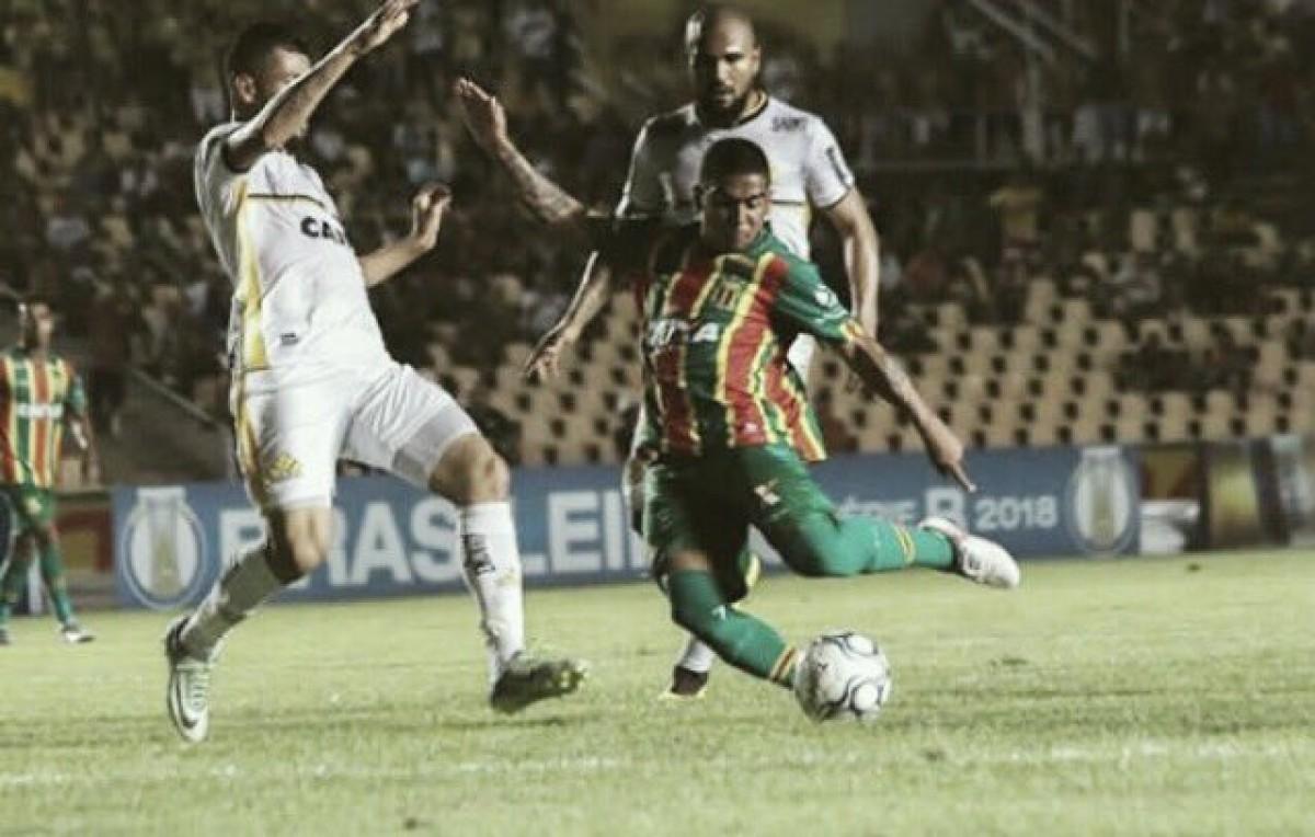Vitor Feijão marca, Criciúma bate Sampaio Corrêa fora de casa e sobe na tabela da Série B