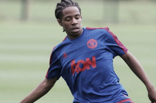 Manchester United sign young Fulham midfielder DJ Buffonge