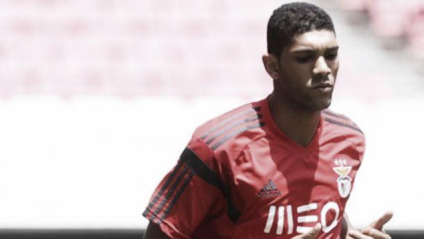 Benfica recebeu 1 milhão por Djavan mas não revelou quanto pagou