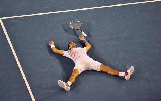 Un Djokovic d'acciaio si piazza in finale a Melbourne