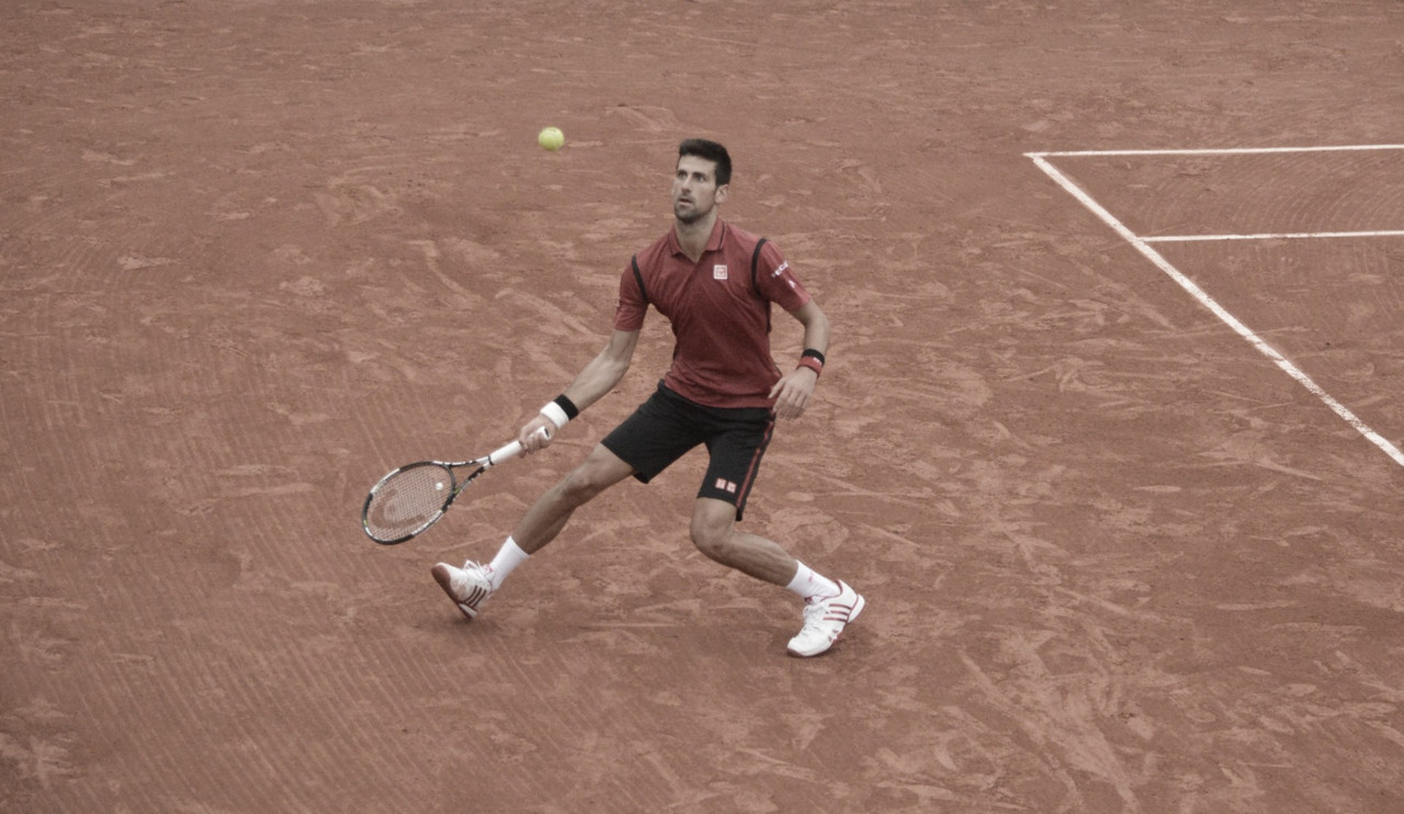 Djokovic deslancha no segundo set e elimina Krajinovic em Roma