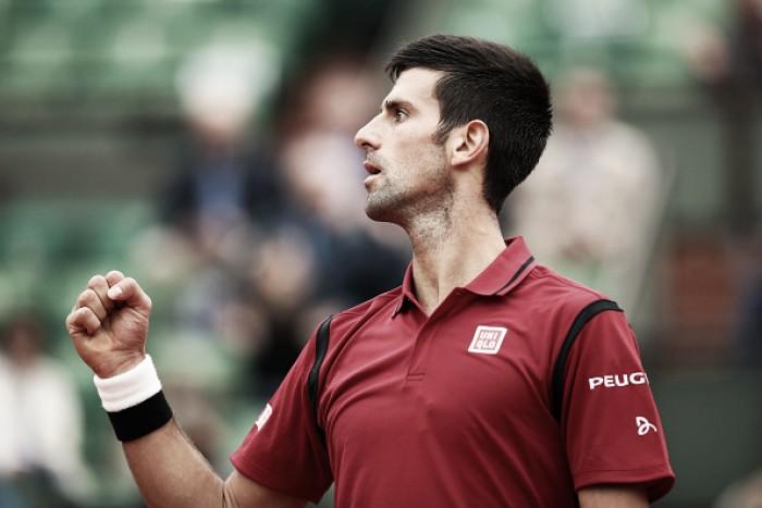 Novak Djokovic vira contra Bautista Agut e está nas quartas de Roland Garros