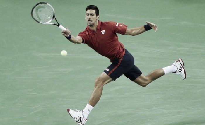 Em sua volta, Djokovic derrota Fognini e avança as oitavas em Xangai