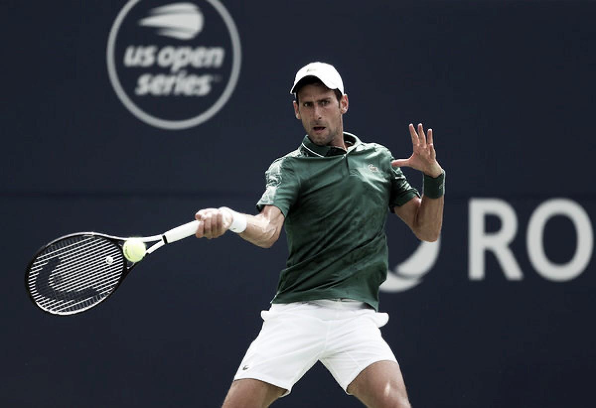 Djokovic debuta con una victoria plagada de dudas