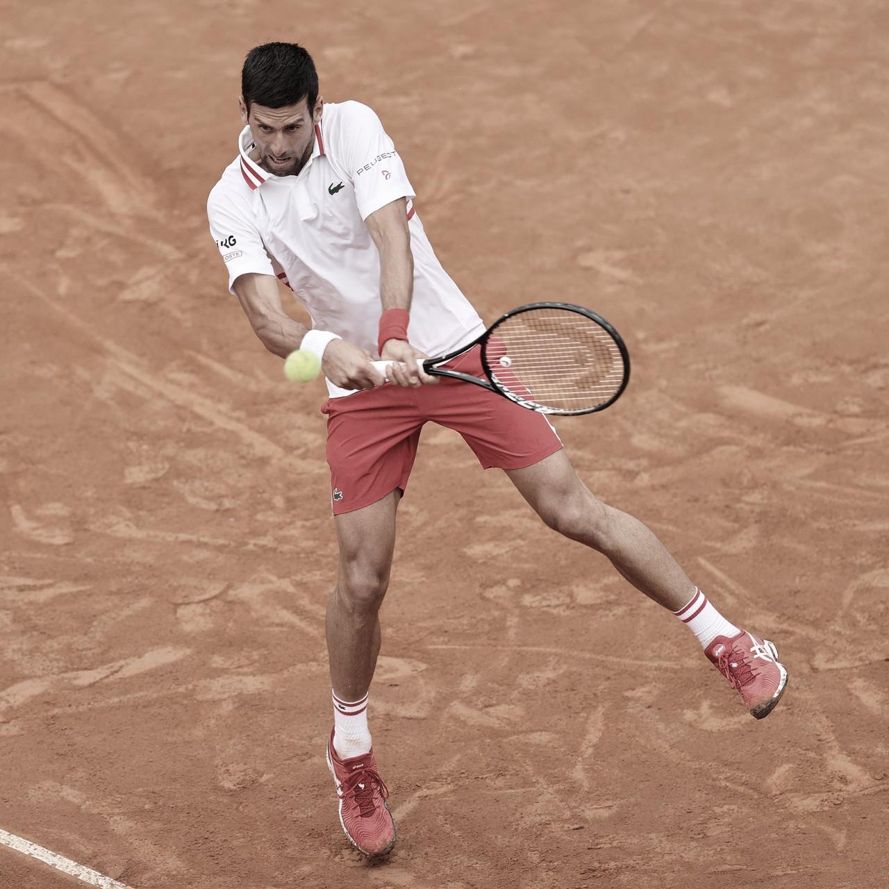 Em partida paralisada pela chuva, atual campeão Djokovic bate Fritz na estreia em Roma