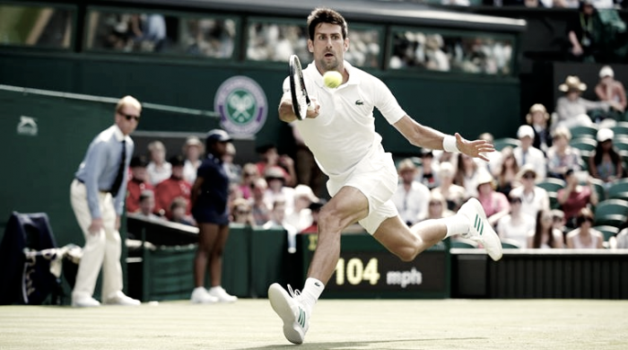 Djokovic bate Mannarino em sets diretos e garante vaga nas quartas de Wimbledon