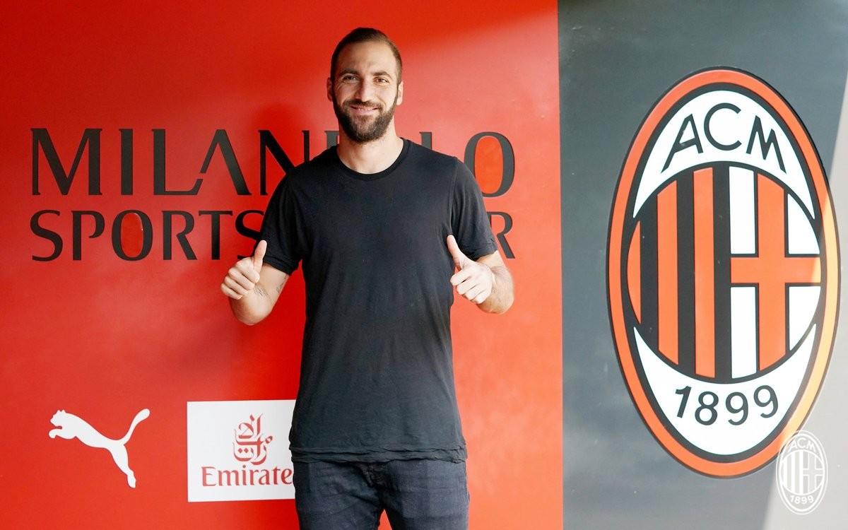 """Milan, Higuain si presenta: """"Mi ha motivato il progetto, un onore essere qui"""""""