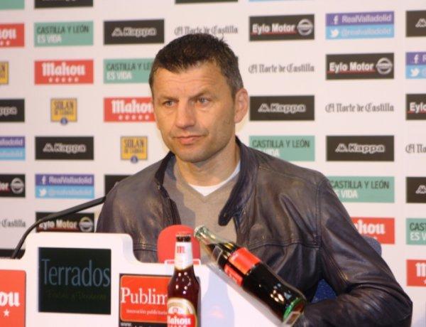 """Miroslav Djukic: """"El parón nos ha venido muy bien y estamos preparados"""""""