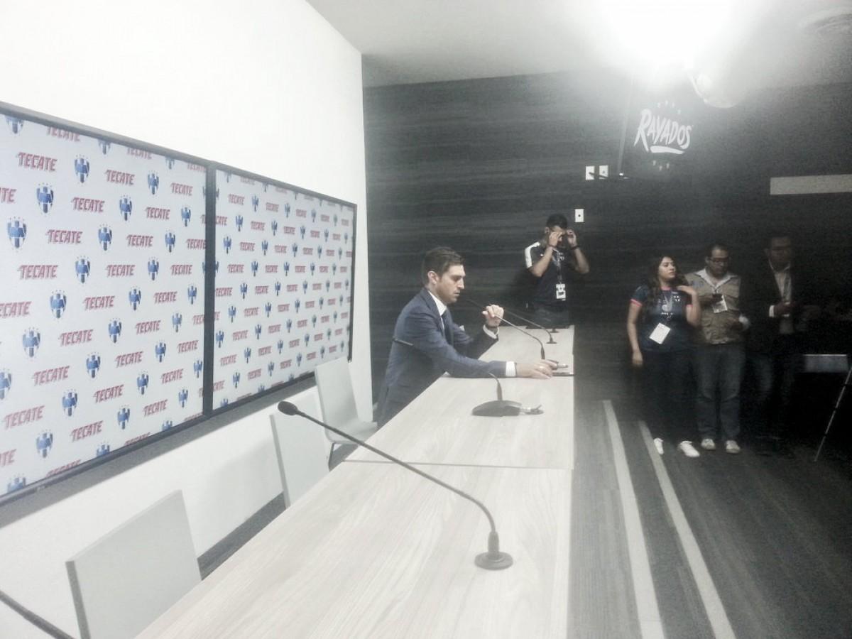 """Diego Alonso: """"Tenemos que seguir con los pies en el suelo"""""""