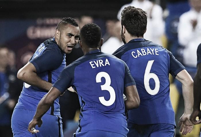 Com golaço de Payet, França vence Camarões em amistoso preparativo à Euro 2016