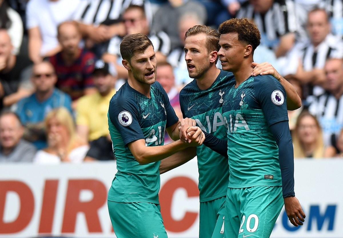 Premier League - Kane sfata il tabù di agosto: il Tottenham stende il Fulham (3-1)